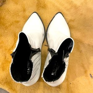 Kenneth Cole White Leather Booties